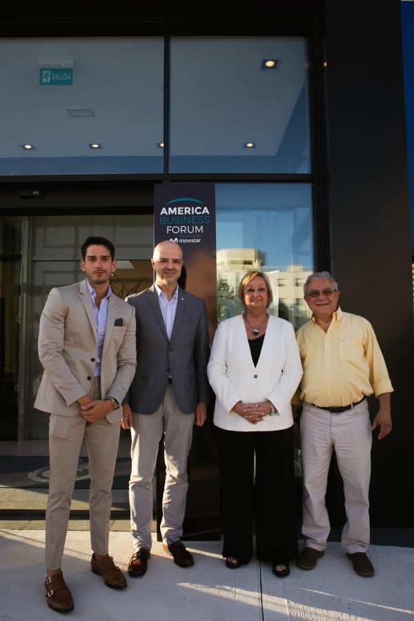 Ignacio Gonzalez Castro -Presidente de ABF-, Antonio Carámbula -Dir Ejecutivo de Uruguay XXI-, Liliam Kechichián -Min de Turismo de Uruguay- y Luis Borsari -Director de Turismo de Punta del Este- en la presentación de America Business Forum.