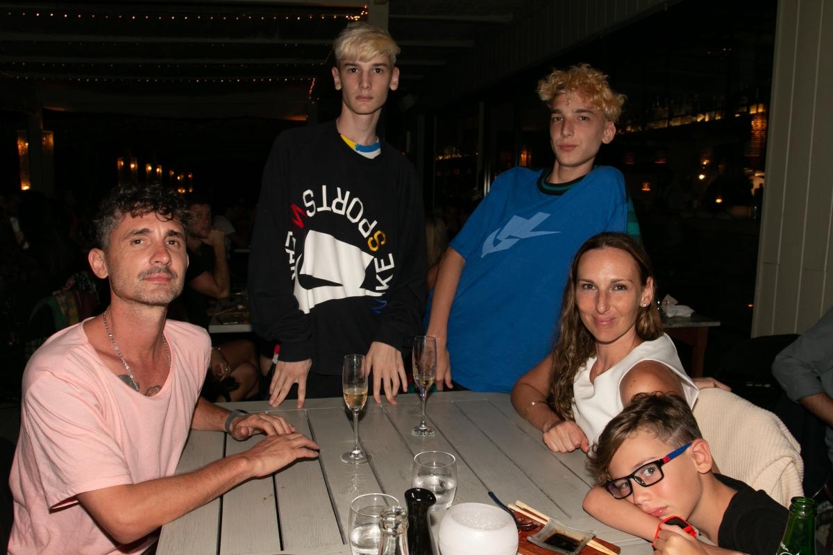 La familia Spinetta en la apertura de Fabric José Ignacio